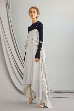 ADEAM Resort 2017 fashion show - Pre-Spring-Summer 2017 collection, shown June 2016 Fashion Week, Fashion 2017, Love Fashion, Runway Fashion, High Fashion, Fashion Show, Fashion Looks, Fashion Design, Modest Fashion