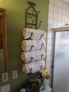 Оригинальная полка для полотенец.