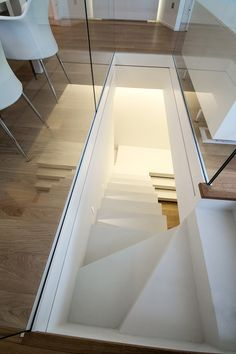 The Next Level: 14 Stair Railings to Elevate Your Home Design Crazy staircase railing dimensions made easy Staircase Railings, Staircase Design, Stair Design, Stairways, Stairs Architecture, Interior Architecture, Interior Stairs, Home Interior Design, Stairway Decorating