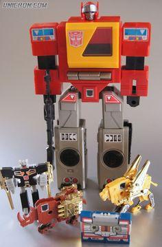 Transformers G1 Blaster - Unicron.com