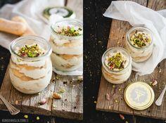 Tiramisù crema di pistacchio e ricotta senza uova