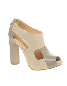 Perfect neutral heel for spring