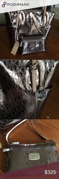 "Gorgeous Nickel Tote and wristlet Beautiful gift look no further 15.5"" W x 12"" H Michael Kors Bags Totes"