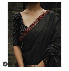 Five Best Saree Blouse Designs – Fashion Asia Simple Sarees, Trendy Sarees, Stylish Sarees, Cotton Saree Blouse Designs, Saree Blouse Patterns, Black Blouse Designs, Simple Saree Blouse Designs, Designer Saree Blouses, Indian Blouse Designs