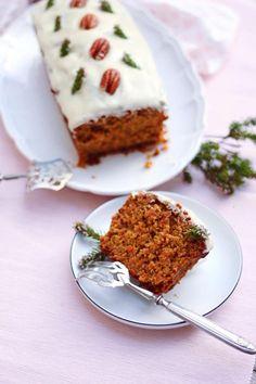 recette carrot vegan cake de recette de carrot cake veganYou can find Best carrot cake recipes and more on our website Cake Vegan, Vegan Carrot Cakes, Carrot Recipes, Easy Cake Recipes, Vegan Recipes, Gluten Free Desserts, Vegan Desserts, Biscuit Vegan, Deutsche Desserts