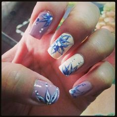 Black and white line nail art nail design pinterest flower nails prinsesfo Gallery