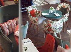 interiors_ru: Моя последняя съёмка московского кафе - Insolito cafe  Стулья и пол, и малиновый цвет