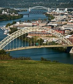The West End Bridge - Pittsburgh reminds me soooo so much of Portland <3 Tons of bridges. This one looks like the Freemont Bridge :) Yayyy for city twinning ;)