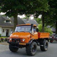 Custom Trucks, Cool Trucks, Pickup Trucks, Mercedes Benz Unimog, Mercedes Benz Cars, Winter Car, Off Road Camper, Dodge Power Wagon, Expedition Vehicle
