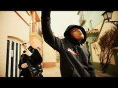 "Delahoja - Nuestra B.S.O feat Soprano (Psy4 de la rime) / Music by Pinto ""Wahin"" [WM Video Oficial] - YouTube"