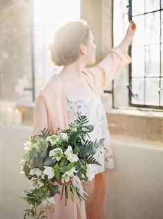 Natural 'Morning of' Bridal Session in Peach and Blue | Wedding Sparrow | Theresa Furey
