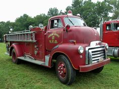 Photos from All american make of Cab Over Engine trucks from the untill the Chevrolet-Ford-Dodge-International-Whit-Studebaker-Autocar-REO-Diamond T----- Gmc Trucks, Ambulance, Fire Equipment, Rescue Vehicles, Cab Over, Fire Dept, Fire Department, Emergency Vehicles, Fire Engine