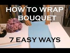 I love these DIY bouquets wrapped in brown paper. - Gift ideasI love these DIY bouquets wrapped in brown paper. You I love these DIY bouquets wrapped in brown paper. Graduation Flowers Bouquet, Candy Bouquet Diy, Small Flower Bouquet, Flower Box Gift, Bouquet Wrap, Paper Bouquet, Diy Bouquet, Boquet, Wrap Flowers In Paper