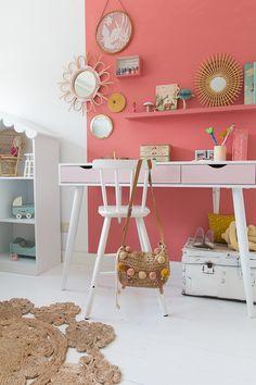 Kinderbureau DIY Flexa #Flowerbulb #meidenkamer | &SUUS My Room, Girl Room, Girls Bedroom, Bedroom Ideas, Orange Rooms, Cute Desk, Kidsroom, Room Colors, Room Inspiration