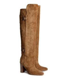 One of my must-haves for the fall: overknee boots