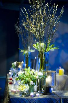 Bar corners with pussy willow and green and white parrot tulips at Peche Sherman Mills {Design: TableArt}