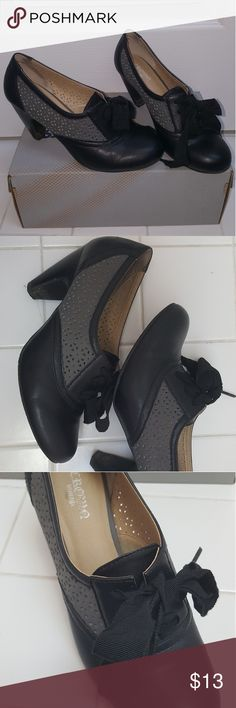 Crown Vintage Heels Excellent condition, only worn a few times Crown Vintage Shoes Heels