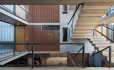 Galería de Edificio Rosas 121 / - = + x - - 16