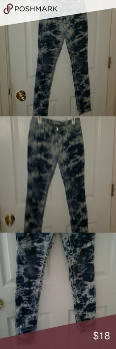 Wishful park girls skinny jeans'size 14 Very cute and in excellent shape is a pair of Wishful park tie dye jeans. 5 style pocket Machine wasable Tie dye wash Zip fly-button closure. A must have,why not bundle and save more Wishful Park Bottoms Jeans