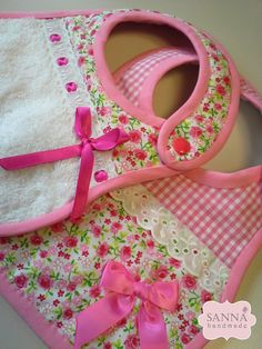 ✽ Sanna Handmade ✽: Artigos Bebé Handmade baby bibs