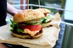 Härkis-hampurilaiset Koti, Hamburger, Ethnic Recipes, Burgers