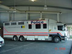 Australian Police Cars > Gallery > Australian Federal Police > Image: mounted_ch_2