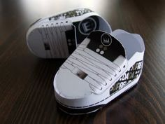 "PaperToys ""Dada sneakers"" by Zerolabor"