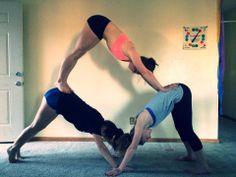 partner yoga triangle