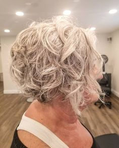 31 Gorgeous Short Curly Hair Styles in July 2020 Short Hair Styles For Round Faces, Short Hairstyles For Thick Hair, Haircuts For Curly Hair, Curly Hair Tips, Short Curly Hair, Short Hair Cuts, Curly Hair Styles, Undercut Curly Hair, Undercut Hairstyles