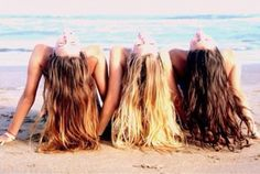 Cute summer pic with friends! Liz, Hannah... This is totally us! Hannah is in the middle and liz is on the left! @Liz Mester Mester Waid @Hannah Mestel Mestel Lough