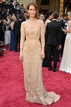 Sarah Paulson in Elie Saab Couture at the 2014 Oscars.