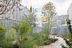 Jardín interior de la Fundación de los Giner Ríos por Amid Cero9. Fotografía © José Hevia.