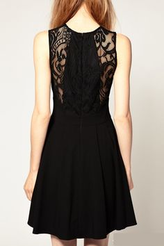 Back Hollow-out Sleeveless Lace Dress