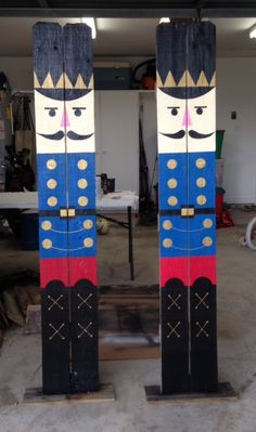 6' Old Fence Nutcrackers