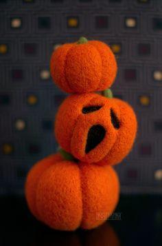 Halloween Home Decor, Halloween Crafts, Halloween Felt, Wool Needle Felting, Needle Felting Tutorials, Felt Diy, Felt Crafts, Christmas Mom, Allergies