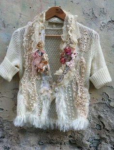cherry blossoms in the snow- shabby chic romantic feminine jacket with vintage and antique laces and vintage beads Shabby Chic Outfits, Shabby Chic Style, Boho Chic, Vintage Outfits, Bohemian, Mode Baroque, Abaya Mode, Pull Mohair, Diy Fashion