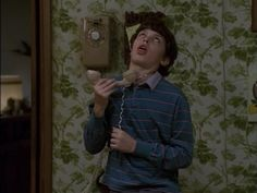 30 Examples Of How We Were All Sam Weir In High School 30 ways we are all Sam Weir from Freaks and Geeks – you hated picking up the phone Tv Quotes, Movie Quotes, Qoutes, Movies Showing, Movies And Tv Shows, Alter Ego, Freeks And Geeks, Haha, Emotion