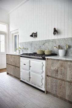 Kitchen; white appliance; stove; oven; range | Interior Design -er: Jamie Blake