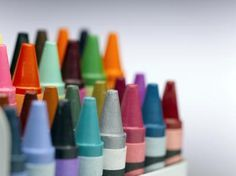 A fast way to create a unique and colorful design on textiles such as pillows and t-shirts, is to use Crayola crayons. The colors are vivid, and when applied correctly, appear bright and… Fabric Painting, Fabric Art, Fabric Crafts, Dot Painting, Fabric Sewing, Cotton Fabric, Making Crayons, Crayon Art, Textiles