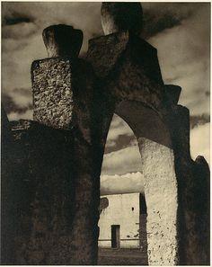 Paul Strand | Gateway, Hidalgo