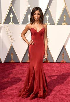 Fashion On The 2016 Oscars Red Carpet Zuri Hall