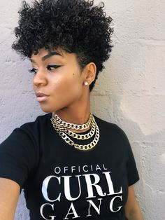 19 Hottest Asymmetrical Bob Haircuts for 2019 For Women - Style My Hairs Natural Hair Shirts, Tapered Natural Hair, Pixie Natural Hair, Bob Hairstyles For Fine Hair, My Hairstyle, Beautiful Hairstyles, Curly Hair Styles, Natural Hair Styles, Asymmetrical Bob Haircuts