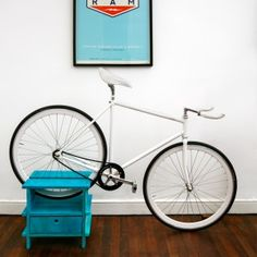 Chilean designer Manuel Rossel makes amazing furniture that doubles as bike racks! Bicycle Hanger, Bike Rack, Diy Projects To Try, Crafts To Make, Wood Projects, Bike Storage Furniture, Cycle Storage, Range Velo, Design Moderne