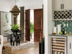 HGTV Dream Home 2017: Foyer Pictures >> http://www.hgtv.com/design/hgtv-dream-home/2017/foyer-pictures-from-hgtv-dream-home-2017-pictures?soc=pinterest