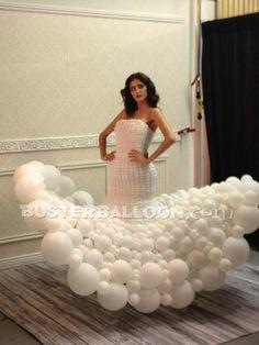 Vestido de novia con globos
