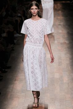 Valentino Spring 2015 Ready-to-Wear Fashion Show - Anastasia Lagune (PREMIUM)