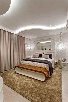 Busca imágenes de diseños de Recámaras de estilo moderno en beige de Arquiteto Aquiles Nícolas Kílaris. Encuentra las mejores fotos para inspirarte y crea tu hogar perfecto.