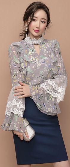 StyleOnme_Double Wing H-Line Skirt #navy #pencilskirt #feminine #koreanfashion #kstyle #kfashion #springtrend #seoul #dailylook