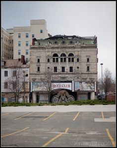 Right near the Enoch Pratt library in the Baltimore Baltimore City, Baltimore Maryland, Abandoned Buildings, Abandoned Places, Great Places, Places To See, Amazing Places, Susquehanna River, City Hospital