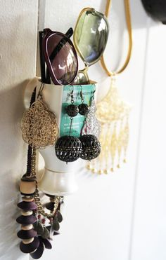 Upcycle a jewelry/glasses holder from an empty shampoo bottle